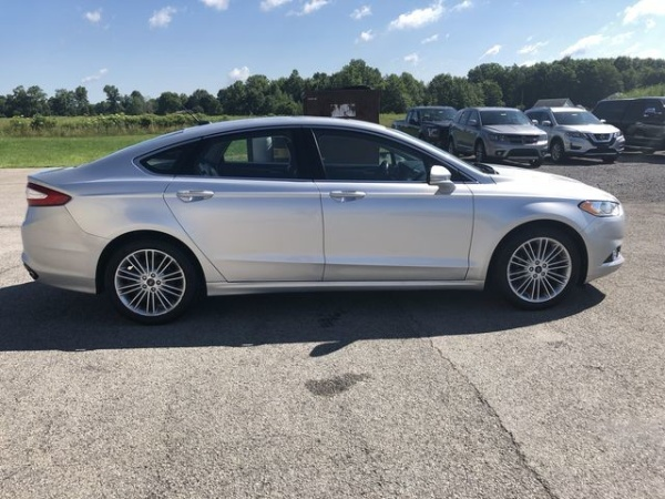2016 Ford Fusion in Grove City, PA