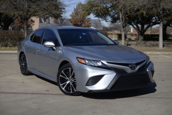 2018 Toyota Camry in Richardson, TX
