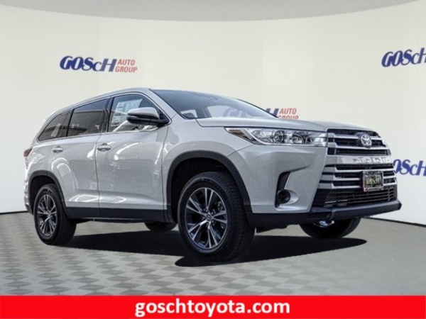 2019 Toyota Highlander in Hemet, CA