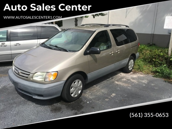2002 Toyota Sienna in West Palm Beach, FL