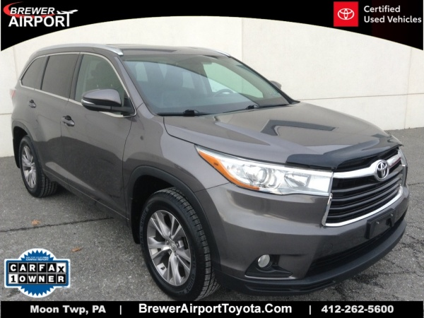 2015 Toyota Highlander in Moon Township, PA