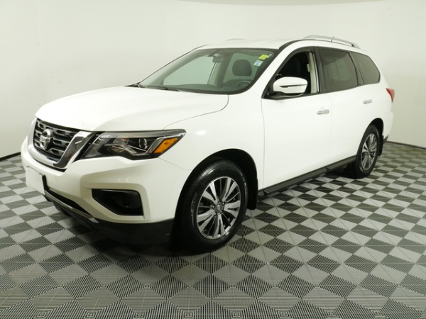2017 Nissan Pathfinder in Inver Grove Heights, MN