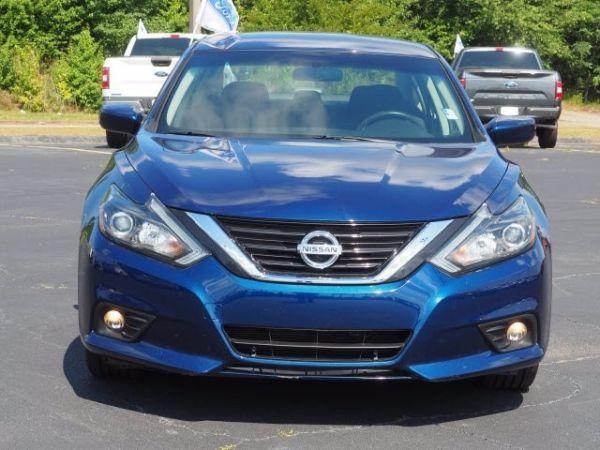 2017 Nissan Altima in Forsyth, GA