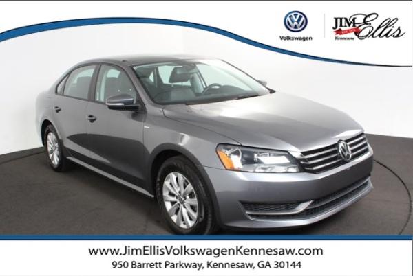 2015 Volkswagen Passat in Kennesaw, GA