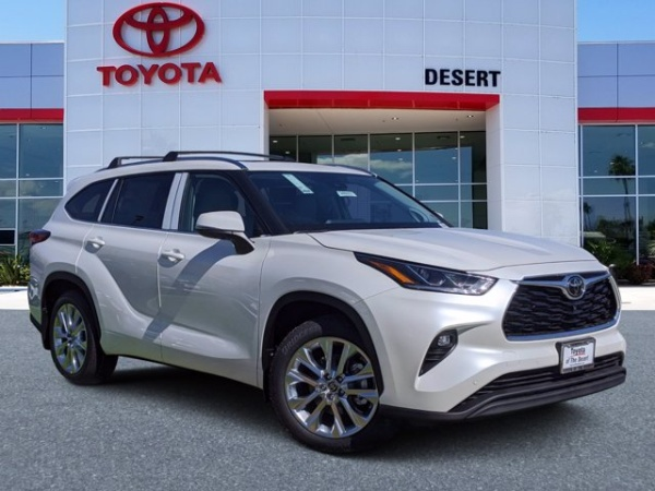 2020 Toyota Highlander in Cathedral City, CA