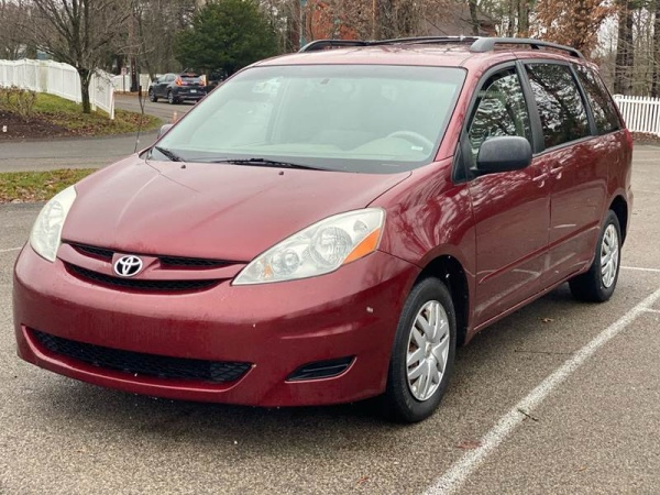 2008 Toyota Sienna in Pittsburgh, PA
