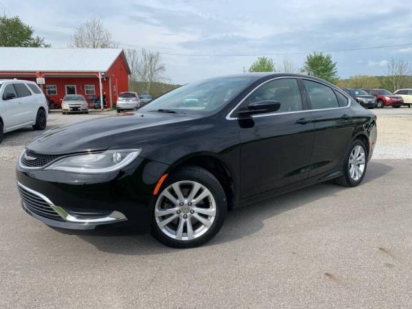 2015 Chrysler 200 in Logan, OH