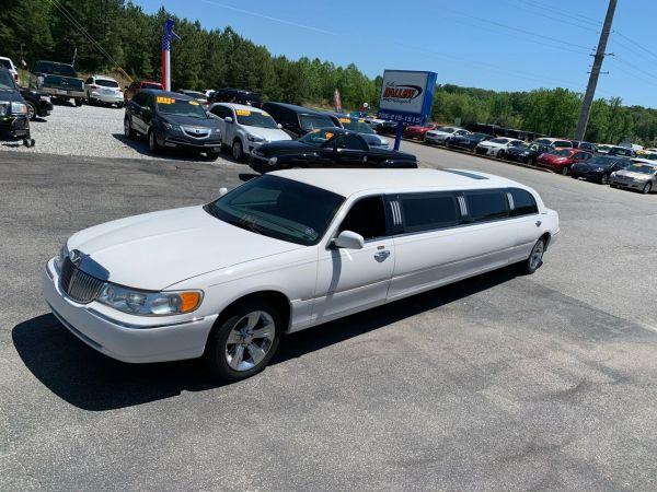 1999 Lincoln Town Car in Dawsonville, GA