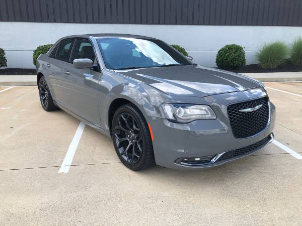 2019 Chrysler 300