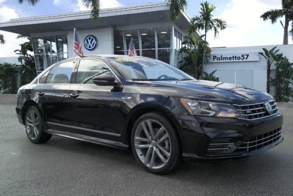 2017 Volkswagen Passat in Miami Gardens, FL