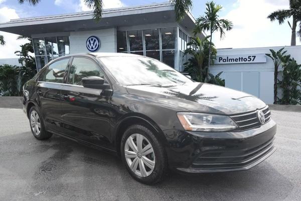 2017 Volkswagen Jetta in Miami Gardens, FL