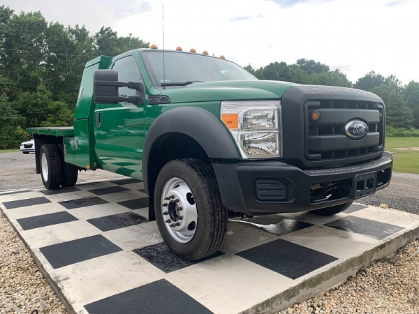 2011 Ford Super Duty F-550 in Harbinger, NC