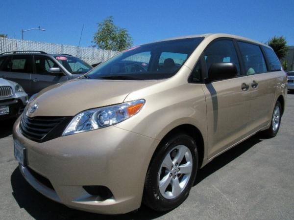 2014 Toyota Sienna L, 7 Passenger, FWD $18,888 San Mateo, CA