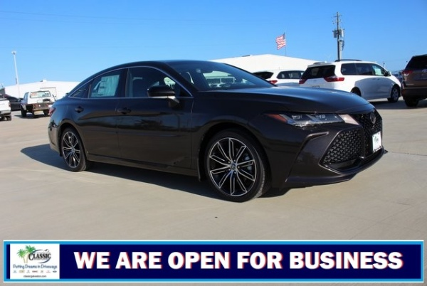 2020 Toyota Avalon in Galveston, TX
