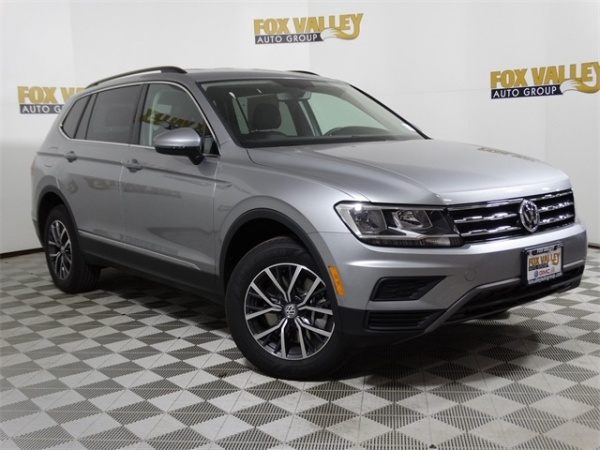 2020 Volkswagen Tiguan in St Charles, IL