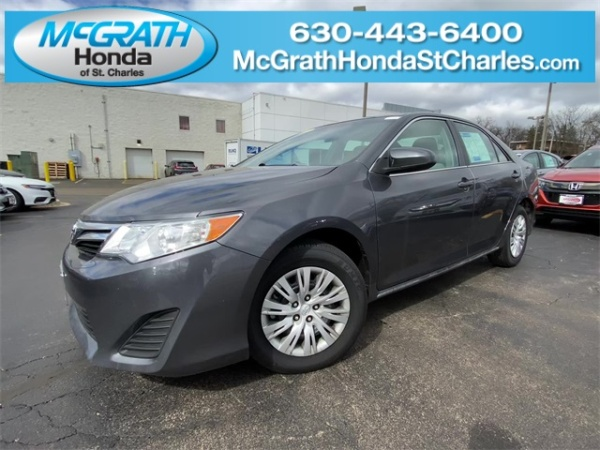 2013 Toyota Camry in Saint Charles, IL