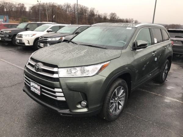 2019 Toyota Highlander in Belair, MD