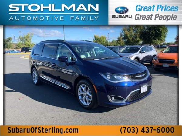 2017 Chrysler Pacifica in Sterling, VA