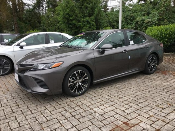 2020 Toyota Camry in Vancouver, WA