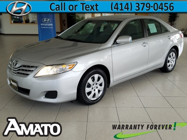2011 Toyota Camry in Milwaukee, WI