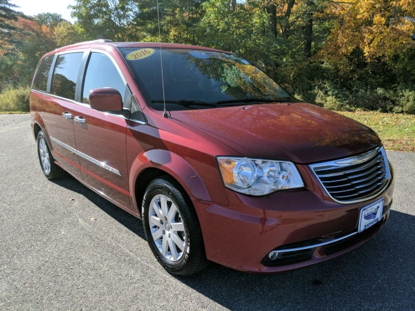 2016 Chrysler Town & Country in Saco, ME