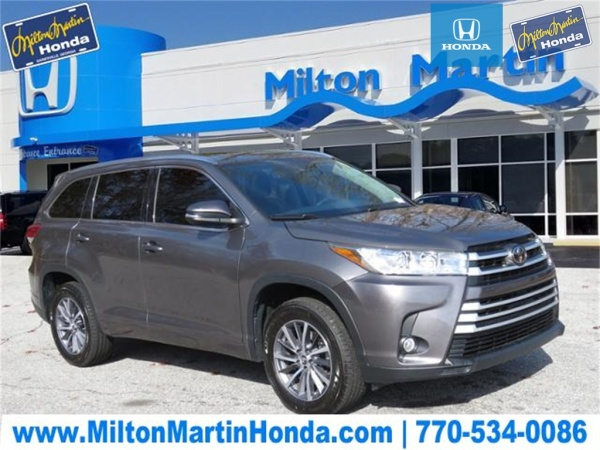 2017 Toyota Highlander in Gainesville, GA