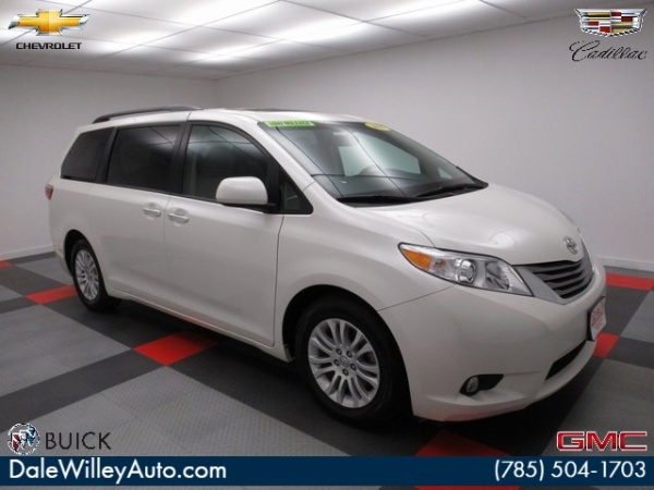 2017 Toyota Sienna in Lawrence, KS