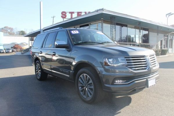 2017 Lincoln Navigator in Milford, CT