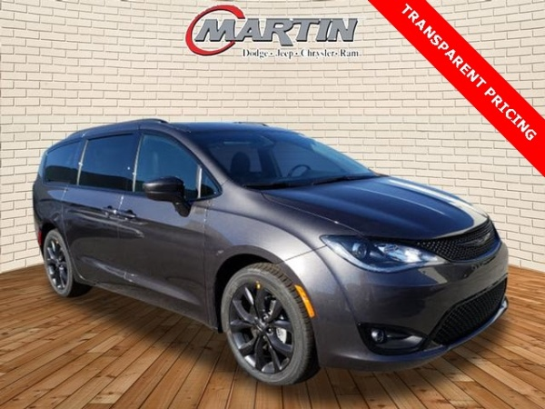 2020 Chrysler Pacifica in Bowling Green, KY