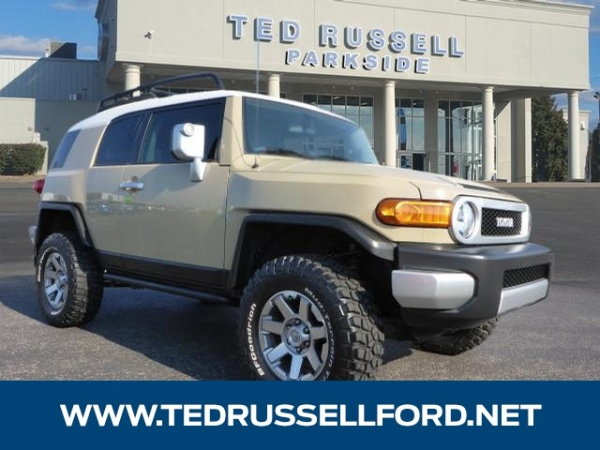 2014 Toyota FJ Cruiser in Knoxville, TN