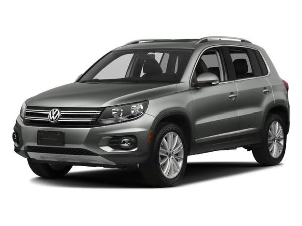 2017 Volkswagen Tiguan in Lawrence, KS