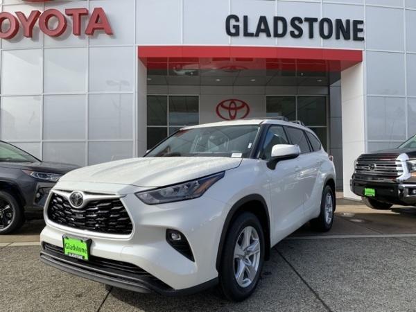 2020 Toyota Highlander in Gladstone, OR