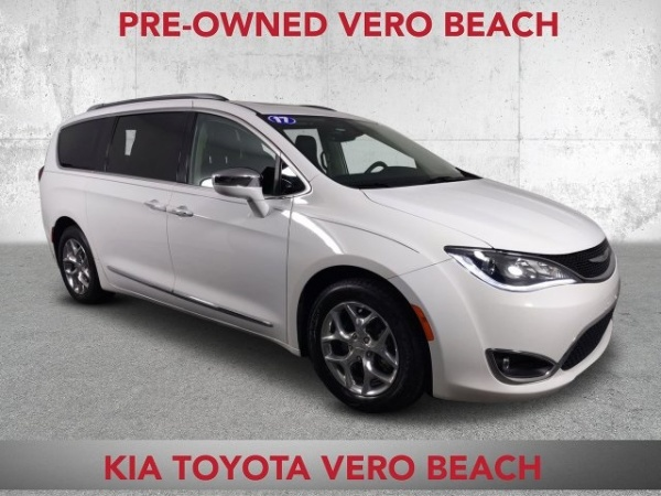 2017 Chrysler Pacifica in Vero Beach, FL