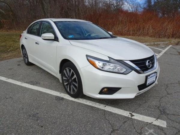 2016 Nissan Altima in E. Providence, RI