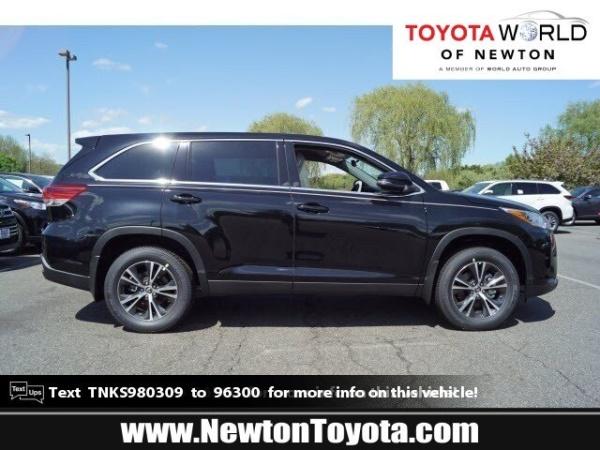 2019 Toyota Highlander in Newton, NJ