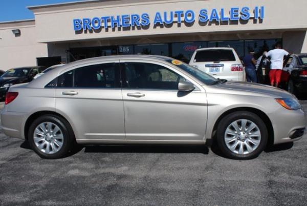 2014 Chrysler 200 in Lexington, KY