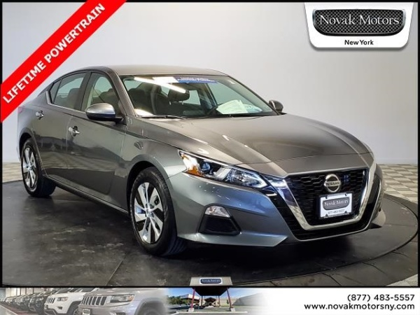 2019 Nissan Altima in Farmingdale, NY