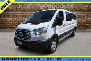 8a0bef124d 2017 Ford Transit Wagon T-350 148