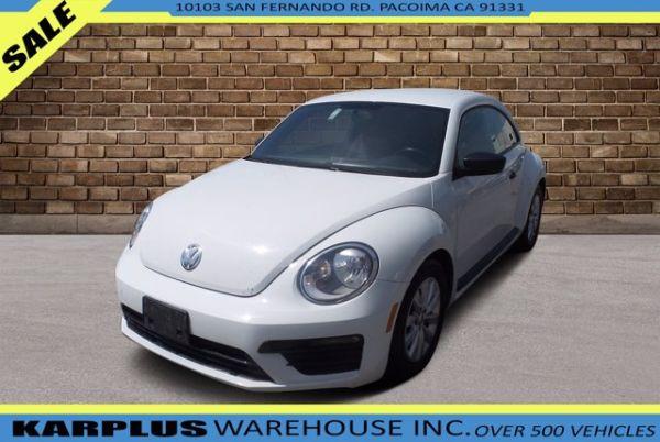 2018 Volkswagen Beetle in Pacoima, CA
