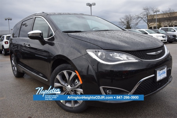 2020 Chrysler Pacifica in Arlington Heights, IL