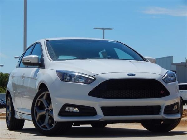2018 Ford Focus in Denton, TX