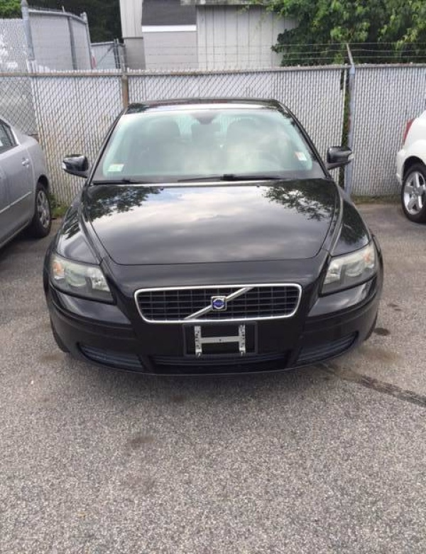 used volvo s40 for sale in boston ma u s news world. Black Bedroom Furniture Sets. Home Design Ideas
