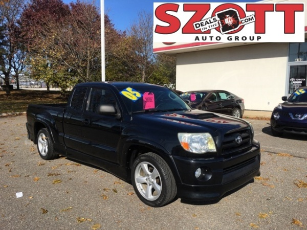 2005 Toyota Tacoma in Waterford Township, MI