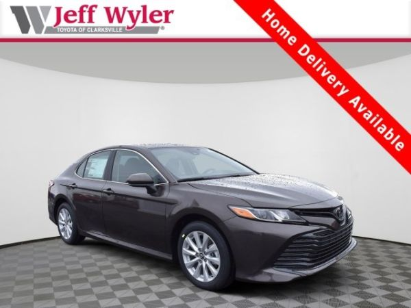 2020 Toyota Camry in Clarksville, IN