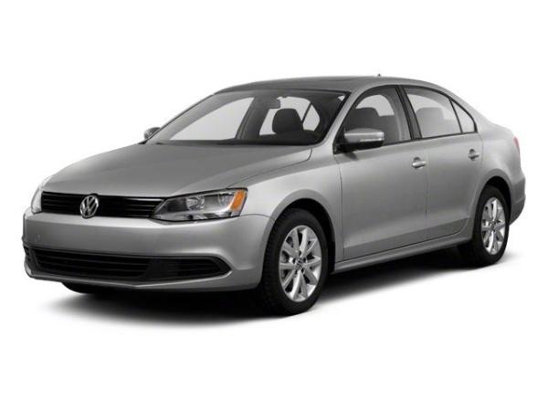 2013 Volkswagen Jetta in Maplewood, MN