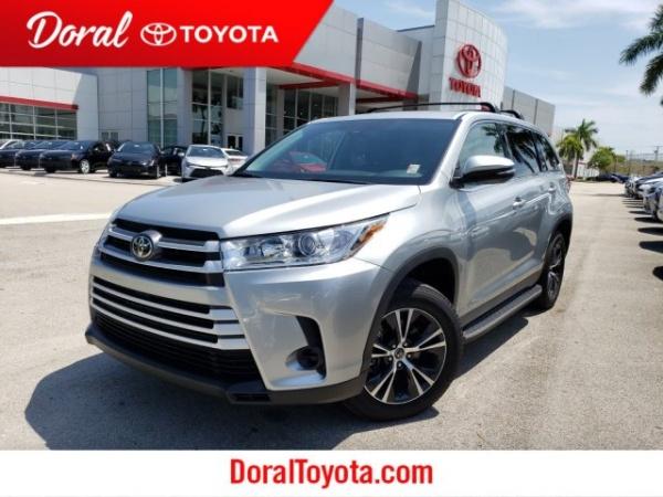 2019 Toyota Highlander in Doral, FL