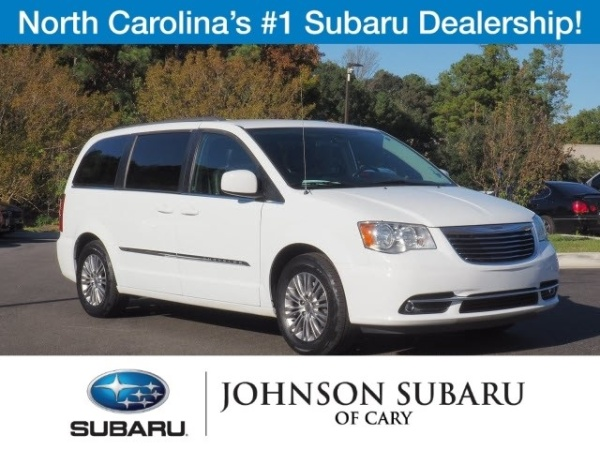 2016 Chrysler Town and Country Touring-L
