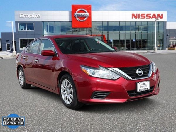 2017 Nissan Altima in Lakewood, CO