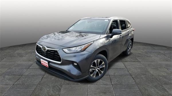 2020 Toyota Highlander in Haverhill, MA