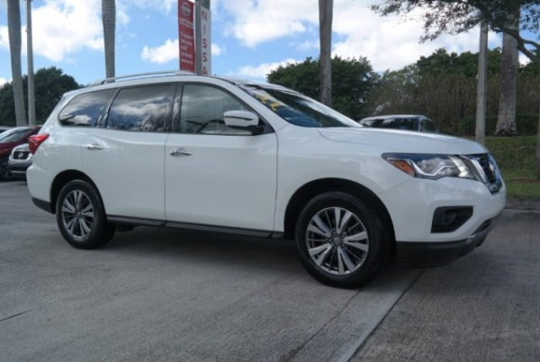 2018 Nissan Pathfinder in Davie, FL